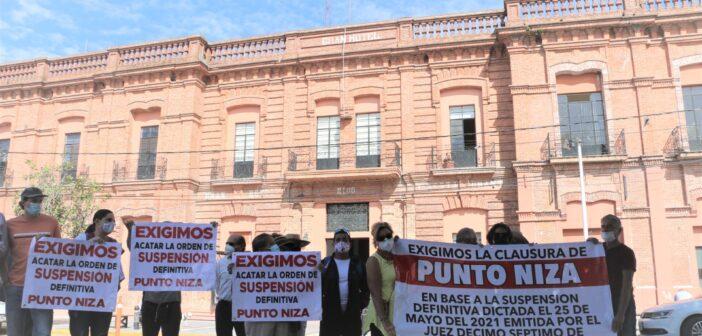 """Vecinos de Chapala exigen detener proyecto inmobiliario """"Punto Niza""""."""